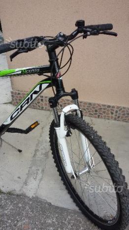 """Mountain Bike con ruote da 26"""""""