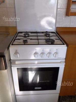 Cucina ariston 5fuochi forno a gas semi nuova posot class - Cucina a gas ariston ...