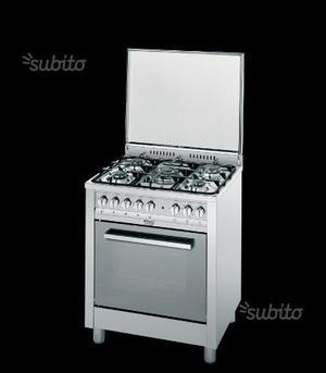 Cucina a gas professionale con forno elettrico