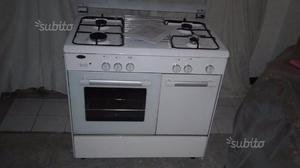 Cucina con 4 fornelli a gas metano posot class - Fornelli cucina ...