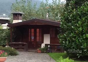 Vendo casetta da giardino in legno posot class for Casetta giardino usata