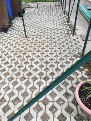 120 piastrelle da esterno plastica forate 40x40 posot class - Piastrelle plastica per giardino ...