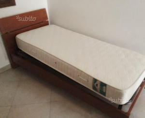 C90 - 2 letti singoli nuovi con materasso e comodi