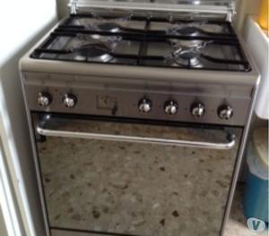 Cucina seminuova con elettrodomestici smeg posot class - Elettrodomestici cucina a gas ...