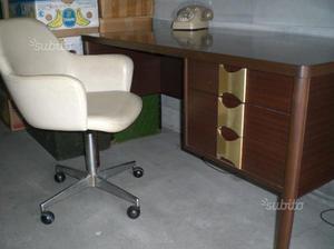 Mobili ufficio usati 2 anni firenze posot class for Mobili ufficio stock