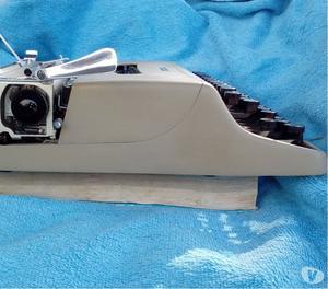 Olivetti lettera 22 macchina da scrivere con kit pulizia att
