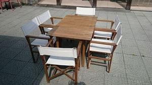 Tavolo in legno con sedie da regista