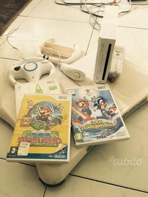 Wii, Wii fit, 2 joystick, 2 giochi, 2 sterzi