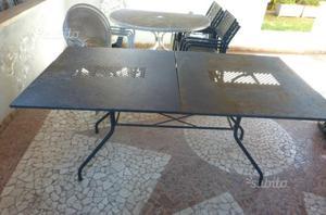 Due tavoli in ferro da giardino + sedie