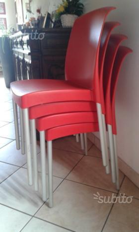 Stock di 200 sedie in plastica dura impilabili posot class for Sedie impilabili plastica