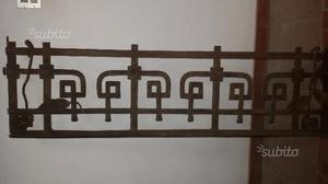 Elegante ringhiera per scala in ferro battuto posot class for Prezzo ferro al kg 2017