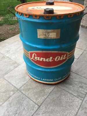 Vecchio bidone olio landini