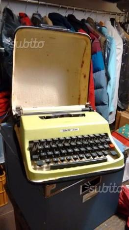 Macchina da scrivere BMB 232