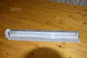 Plafoniera Con Emergenza Incorporata : Lampada emergenza elettronica varia a como kijiji annunci di ebay