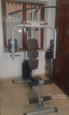 Panca multifunzionale per pesi