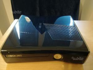 Xbox 360 Slim 250 GB + Gears of War 1-2