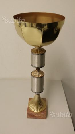 Coppa con base in marmo