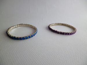 2 braccialetti blu - viola con elastico