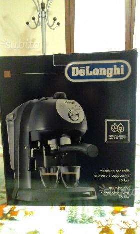 DeLonghi Macchina per Caffè Espresso e Cappuccino