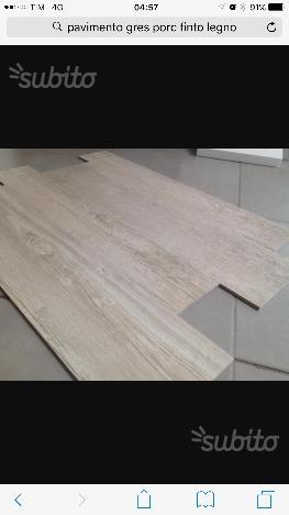 Pavimento da bagno effetto legno percessata attivi
