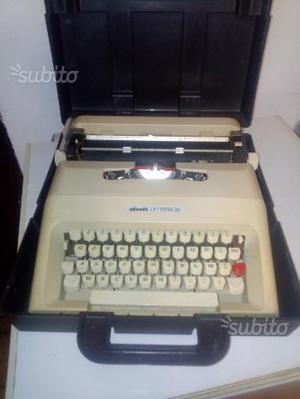 Macchina da scrivere Olivetti lettera 35 anni 70