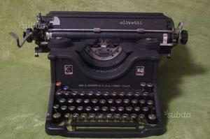 Macchina per scrivere olivetti m40