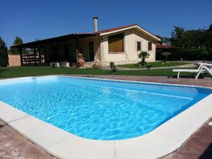 NETTUNO villa con piscina
