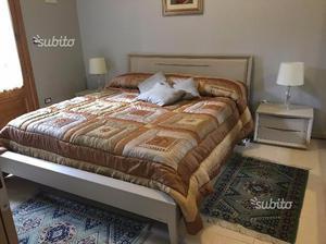 Coppia comodini accademia del mobile posot class - Mobile camera da letto ...