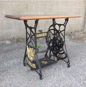 Macchina da cucire anker posot class - Tavolo con macchina da cucire ...