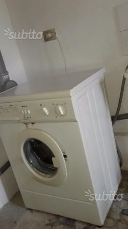 Lavatrice Indesit usata poco