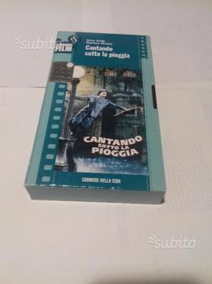 """VHS anni '90 """"CANTANDO SOTTO LA PIOGGIA"""""""