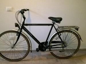 Bicicletta city bike uomo nuova