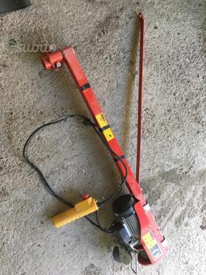 Offro falcone con argano idraulico portata max posot class for Paranco elettrico usato