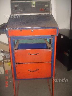 Scrittoio anni 60 in ferro tinto rosso/blu