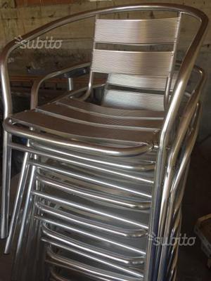 Tavoli e sedie in alluminio