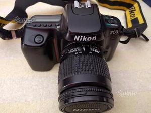 Nikon F50 con obiettivi e batteria