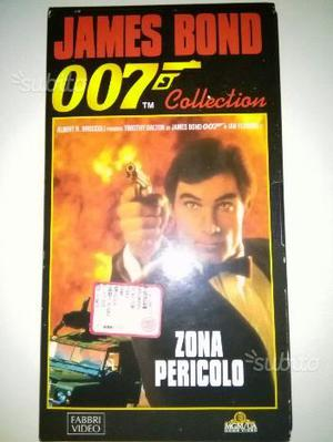 007 James bond in vhs