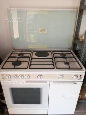 Cucina forno gas bombola vecchio marca becchi posot class - Bombola gas cucina ...