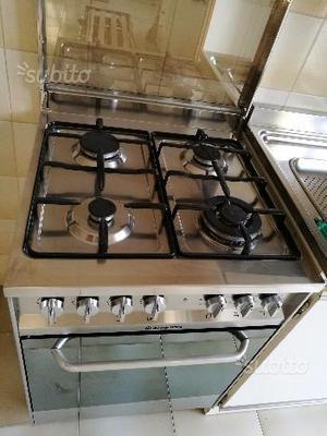 Cucina ariston 5fuochi forno a gas semi nuova posot class - Cucina a gas con forno elettrico ...