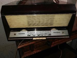 RADIO fonovaligia a valvole