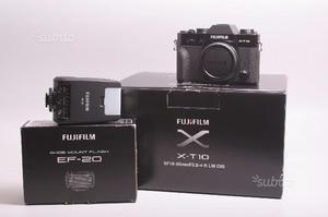 Fotocamera digitale mirrorless fuji x-t10 + flash