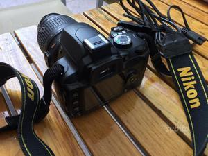 Nikon D60 con obbiettivo Nikon