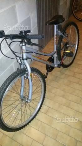 Bicicletta mountain bike nuova