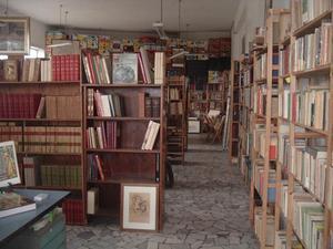 Migliaia di libri di ogni epoca e prezzo Euro 1