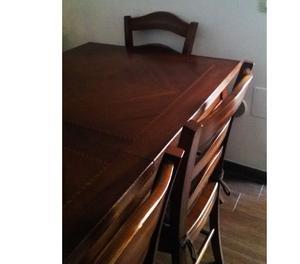 Tavolo in legno massello intarsiato con 6 sedie