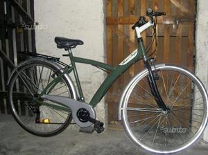 Bicicletta City Bike 28 con cambio e multiple luci