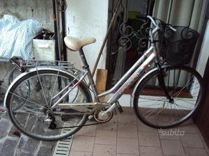 Bicicletta city bike ruote di 28 in alluminio