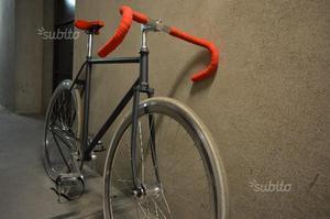 Bicicletta da corsa scatto fisso