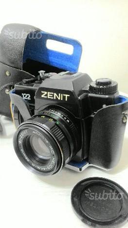 Macchina fotografica analogica Reflex ZENIT 122