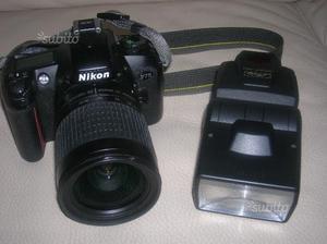 Nikon F75 con flash Metz Mecablitz